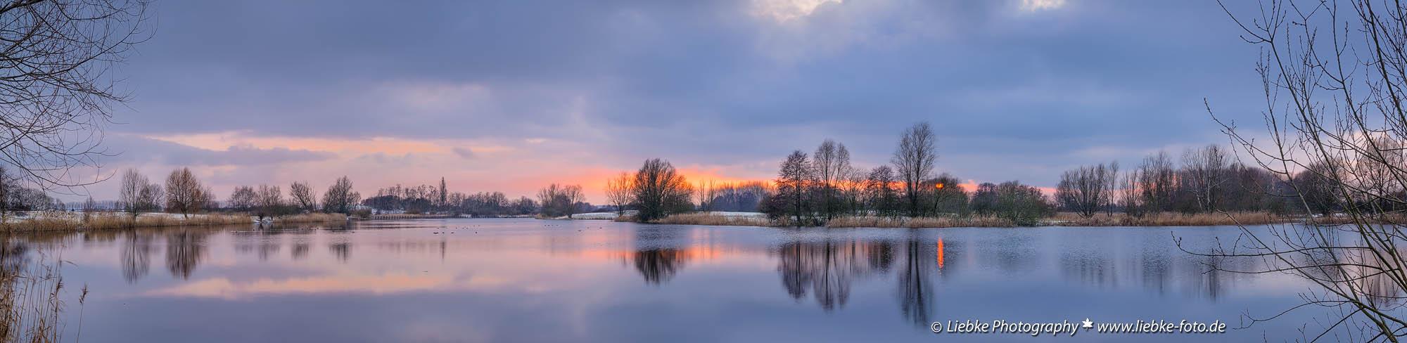 Das letzte Abendlicht über den Mühlensee
