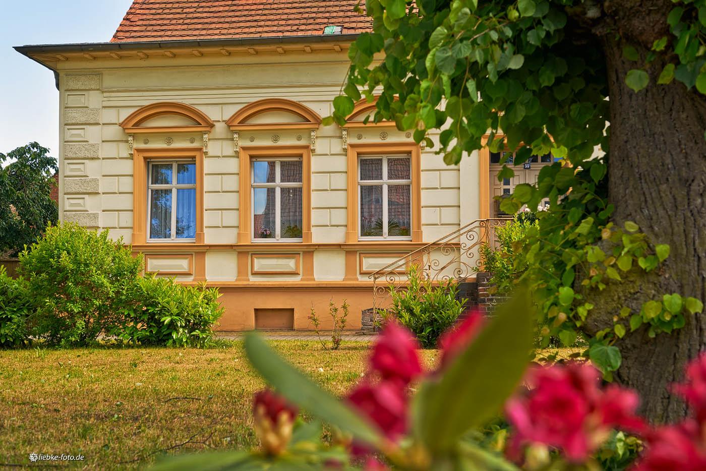 Eins der liebevoll erhaltenen Häuser aus früherer Zeit