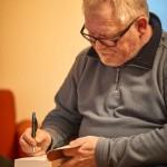 Autor Harald Hillebrand schreibt meine Widmung