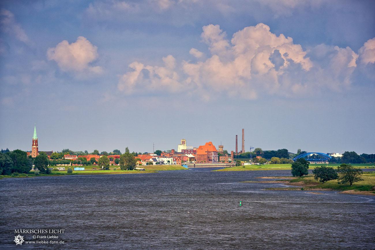 Blick über die Elbe nach Wittenberge