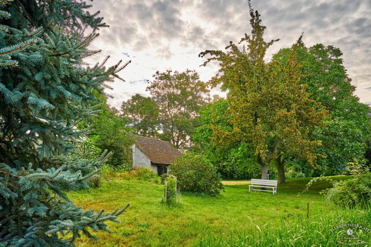 Landhaus Elbeflair in der Lenzerwische, Auf dem Gelände des Landhauses gibt es einige ruhige Sitzgelegenheiten zum Seelebaumelnlassen :)