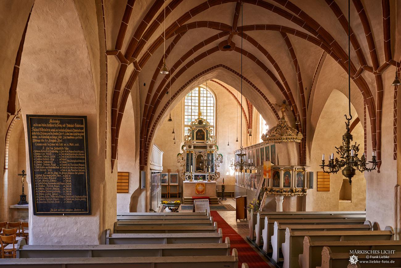 Kremmen Kirche innen